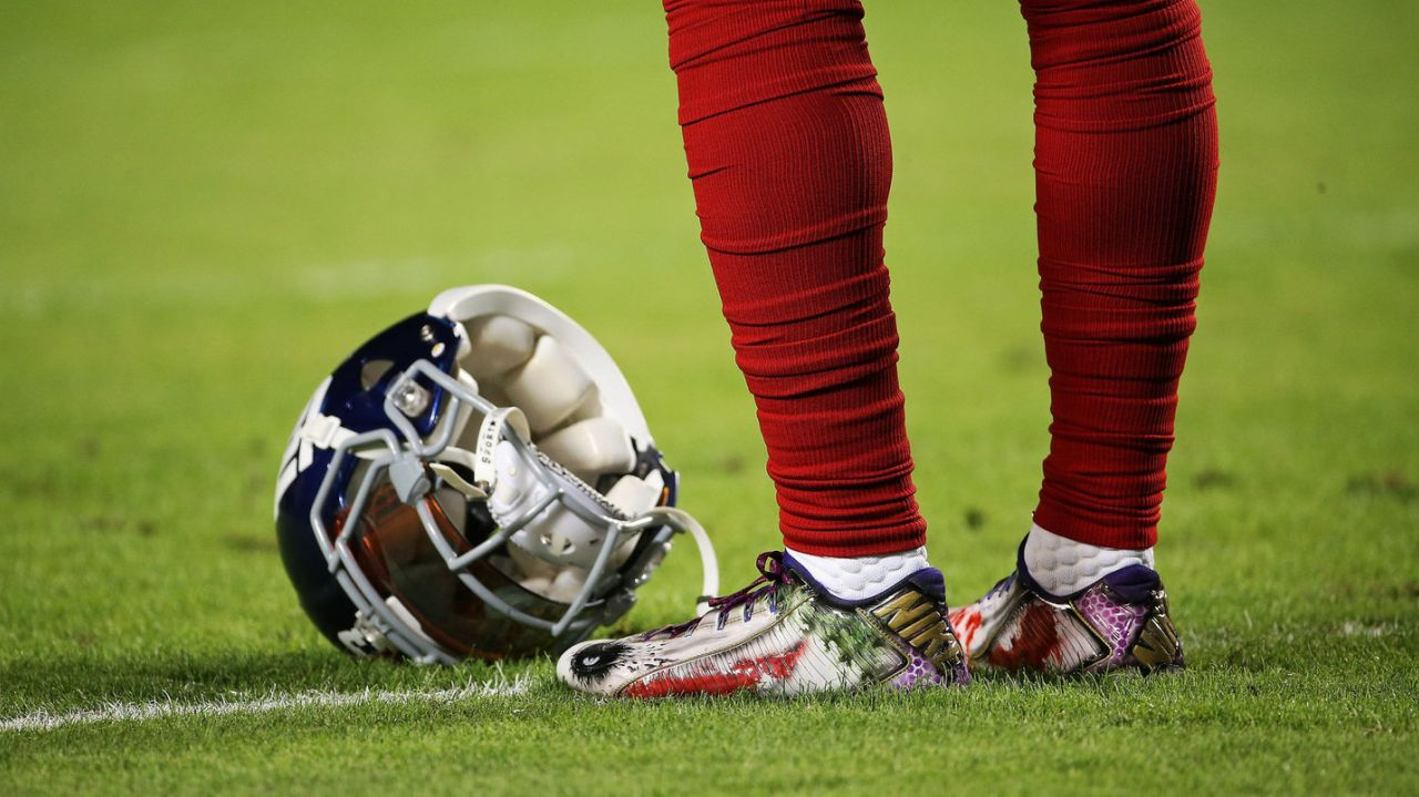 Football Cleats Guide - General Tips On Football Cleats